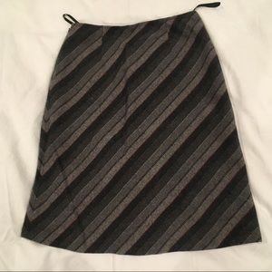 Gap grey red white wool lined midi skirt size 4